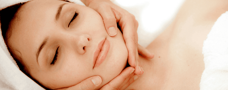 5 Reasons Every Woman Should Go For A Brightening Facial