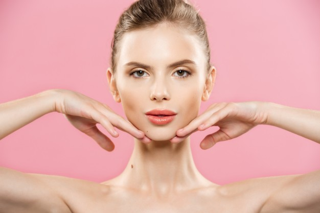 Jawline Slimming Without Botox? Try these non-invasive treatments first!